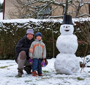 This Year's First Snowman / První letošní sněhulák
